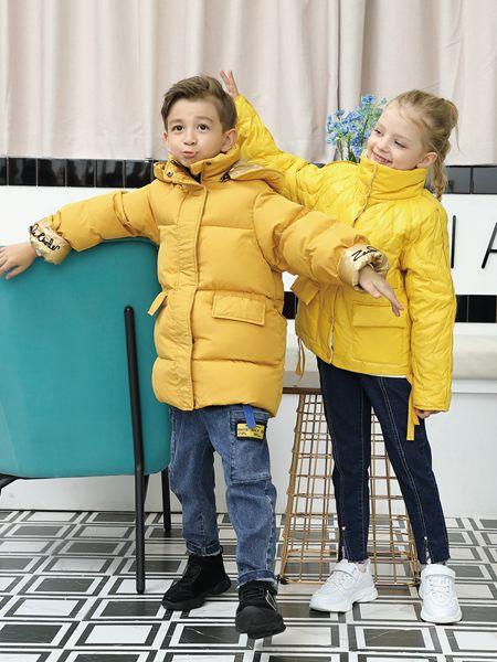 芭乐兔童装品牌2019秋冬黄色卫衣