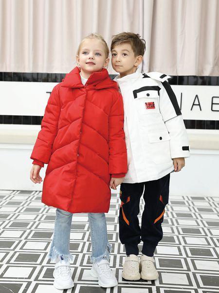 芭乐兔童装品牌2019秋冬红色羽绒服