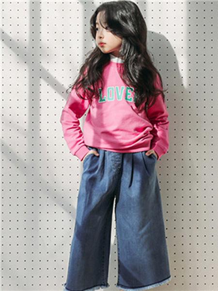 童裔童装品牌2019秋冬粉色印花卫衣