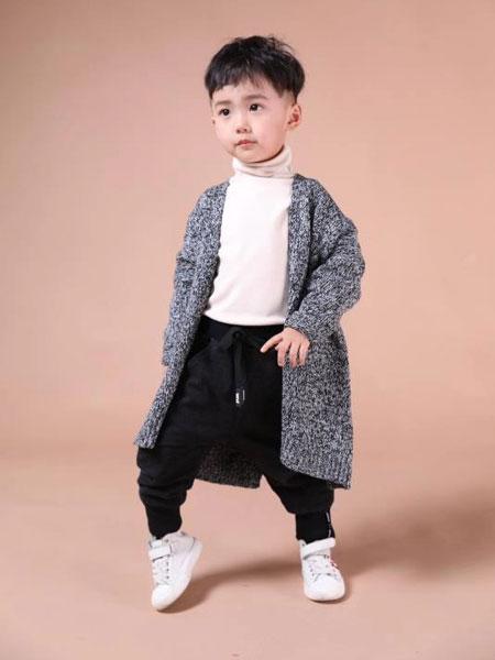 米作童装品牌2019秋冬灰色外套