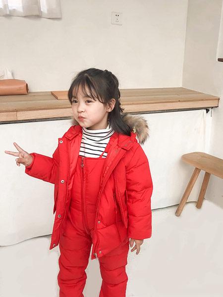 蓝迪贝尔童装品牌2019秋冬 红色羽绒服