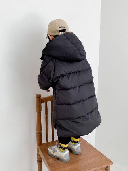 蓝迪贝尔童装品牌2019秋冬黑色羽绒服