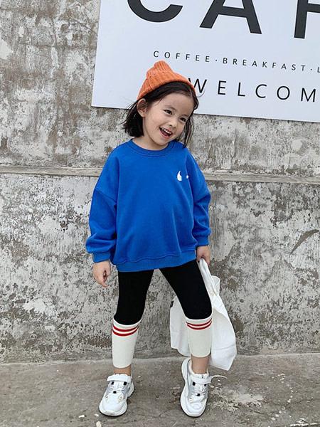 菲瑞娅童装品牌2019秋季蓝色卫衣