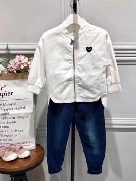 小明星童装品牌2019秋冬加绒棒球服
