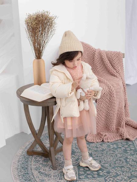 彩色笔童装品牌品牌风格:简约 时尚 甜美 精致