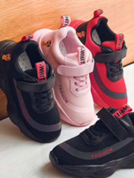 火焰���童鞋品牌2019春夏休�e老爹鞋�r尚�w��和�童鞋女