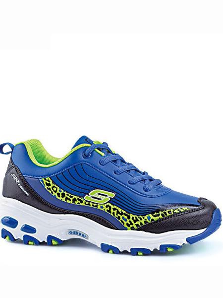 阿迪熊童鞋品牌阿迪纳长大后被放归山林。