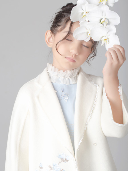 贝的屋童装品牌2019秋冬时尚大衣