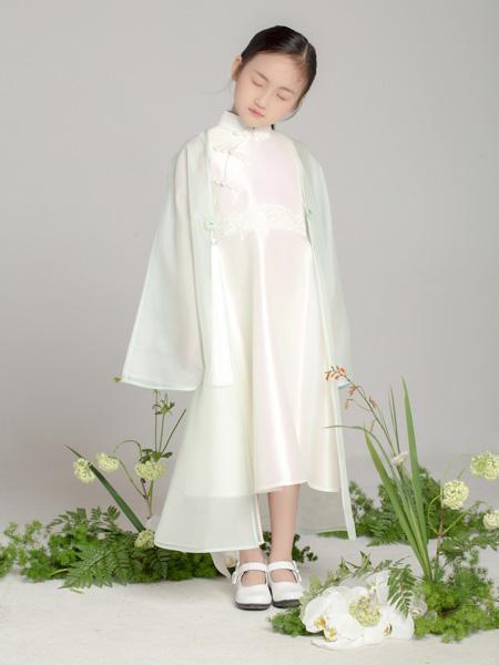 贝的屋童装品牌2019秋冬中国风旗袍