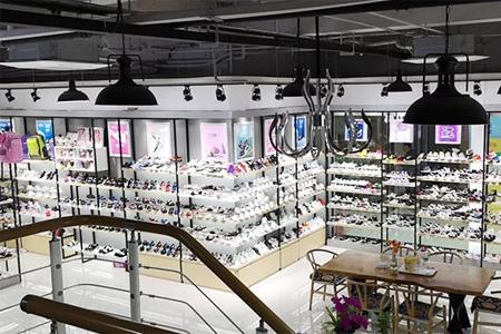 童�焱�鞋品牌2020�\邀加盟,合作共�A!
