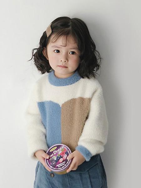 哥哥弟弟童装品牌2019秋冬加绒打底衫