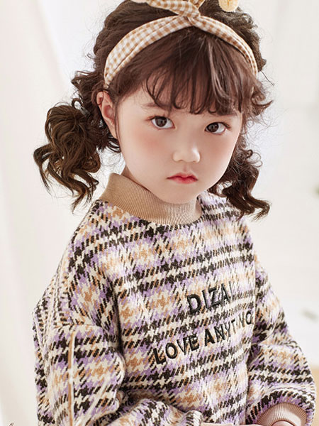 DIZAI童�b品牌2019秋冬格子印字�l衣