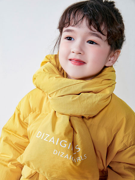 DIZAI童装品牌2019秋冬戴围巾保暖外套