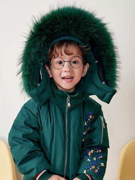 DIZAI童装品牌2019秋冬绿色带帽羽绒