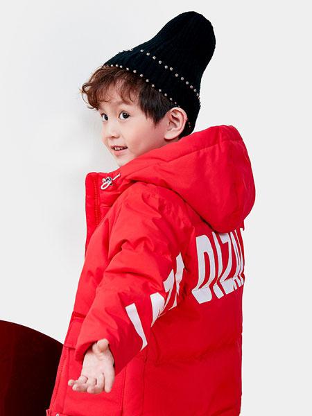 DIZAI童装品牌2019秋冬红色印字羽绒大衣