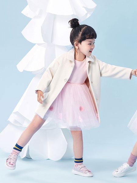 DIZAI童装品牌2019秋冬白色搭配小外套百搭