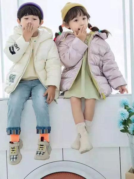 羽成扉童装品牌2019秋冬新款纯色羽绒服