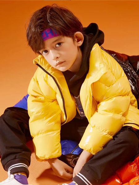 Moomoo童装童装品牌2019秋冬新款黄色羽绒服保暖