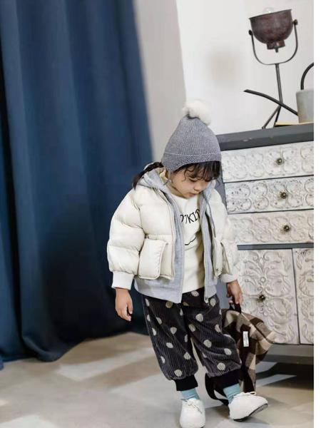 大头儿子和小头爸爸童装品牌2019秋冬新款纯色带帽羽绒服