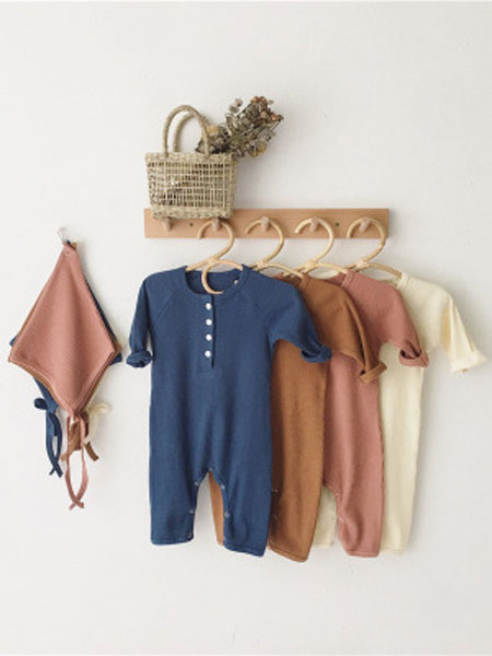 红贝儿童装品牌2020春夏坑条长袖连体衣男女宝包屁哈衣爬服