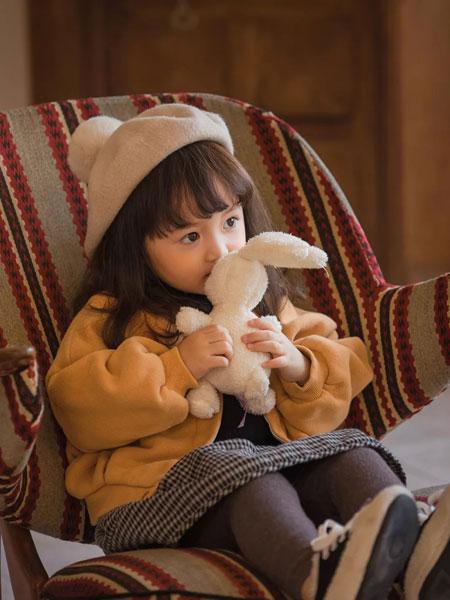 UCNOO与虫童装品牌2019秋季新款纯色毛呢外套