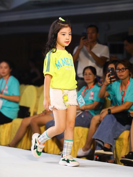 Maomier猫咪儿童装品牌2020春夏新款印字纯色中袖上衣