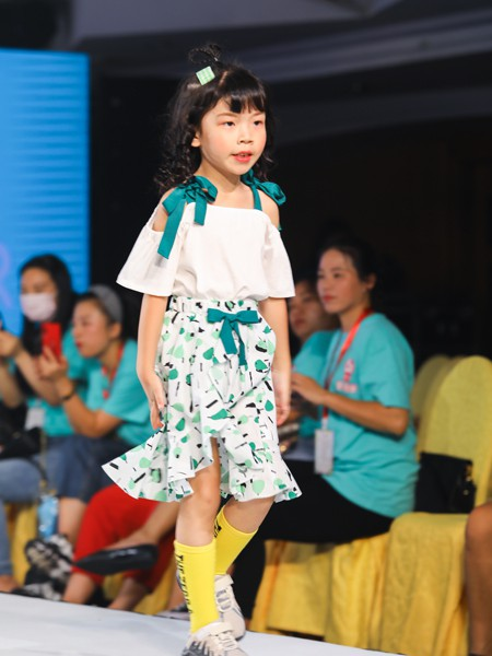 Maomier猫咪儿童装品牌2020春夏新款印花波点连衣裙