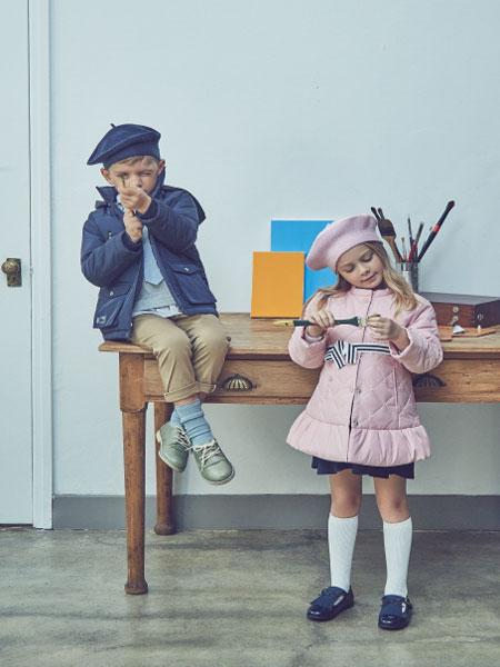Curlysue童装品牌2020春夏新款纯色印字图案外套