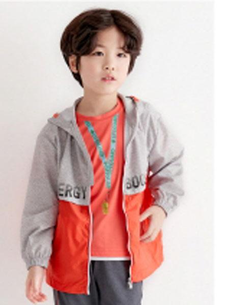Curlysue童装品牌2020春夏新款拼接色印字长袖外套