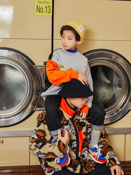 Outride越也童装品牌2019秋冬新款简洁图案印字长袖卫衣