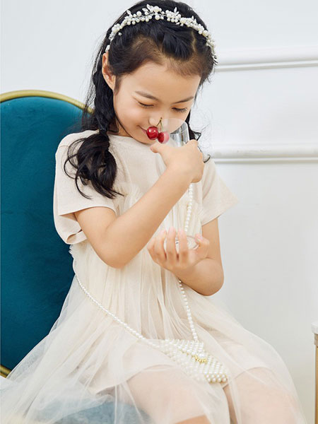 V-rules童装品牌加盟优势多,开店支持力度大!