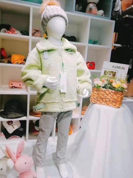 可米芽童�b品牌2019秋冬