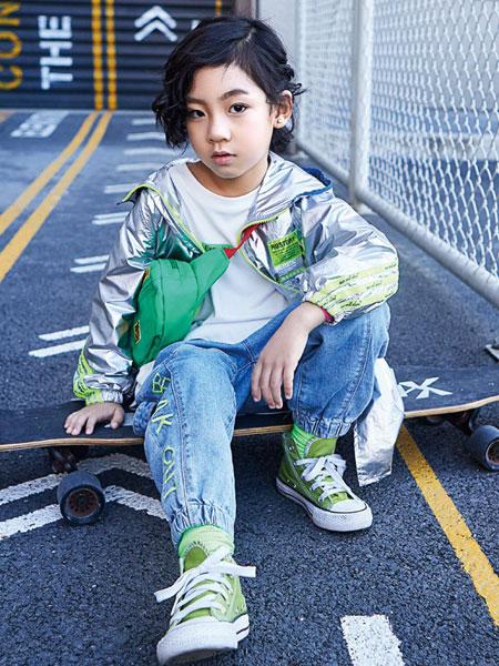 小资范童装品牌2020春夏新款纯色电镀面外套 个性潮童