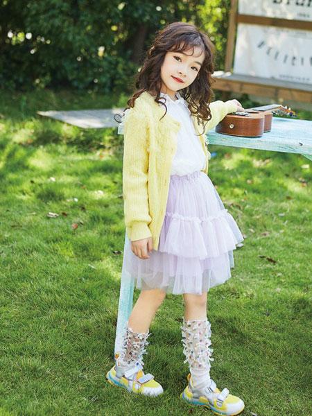 小�Y范童�b品牌2020春夏新款�色斯文�_衫