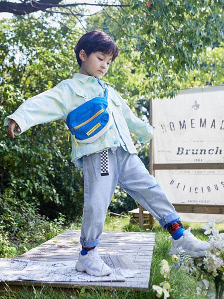 2020年创业推荐 加盟小资范童装品牌