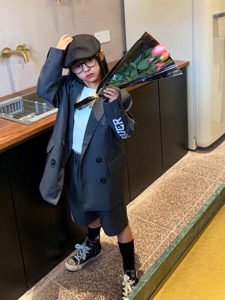 拉酷儿童装品牌2020春夏新款丝绸纽扣西装外套