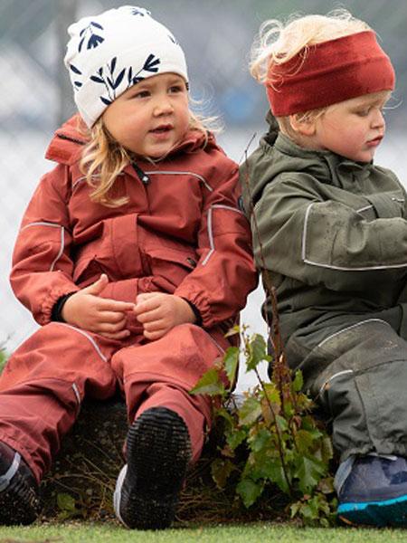 Gullkorn Design童装品牌2020春夏新款纯色带帽连体衣