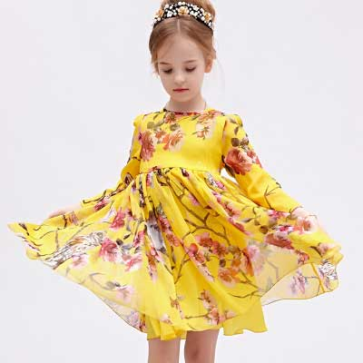 新款秋季童装女童长袖连衣裙 欧美大摆度假风童裙小女孩裙装