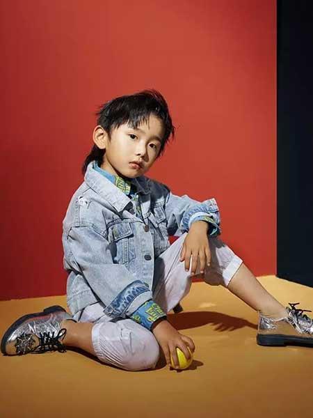 欧恰恰童装品牌,打造属于孩子们的五彩童年
