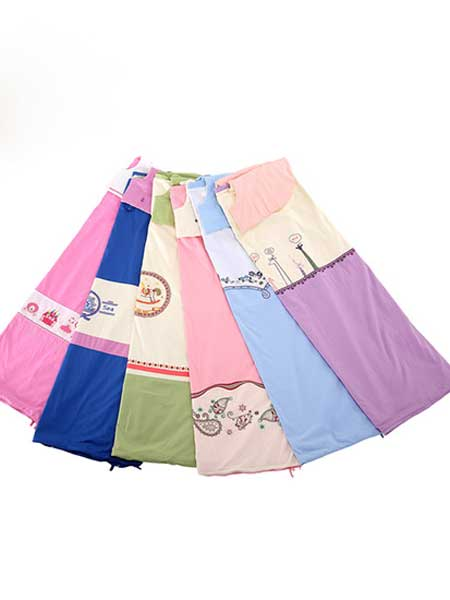 龙之涵童装品牌2020春夏绣花被式睡袋外罩