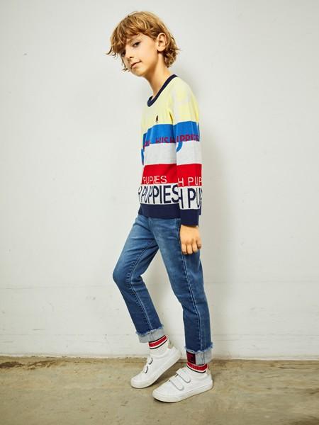 暇步士童装品牌2020春夏拼接款卫衣