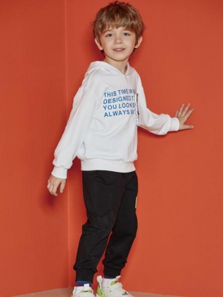 MQD童装品牌2020春夏字母连帽卫衣
