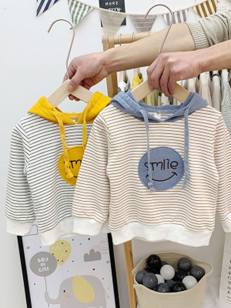 纯卡童装品牌2020春夏小童打底上衣潮男女童卫衣2019春装新款婴儿韩版洋气宝宝条纹拼色
