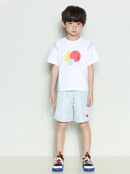 时尚小鱼童装品牌2020春夏新款纯色图案个性短袖上衣