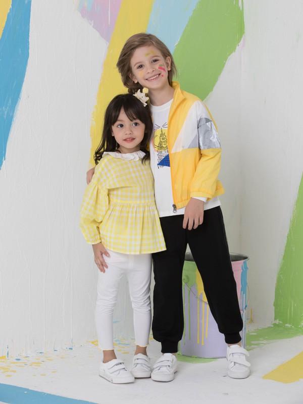 捷米梵童装品牌2020春夏新款纯色带帽外套