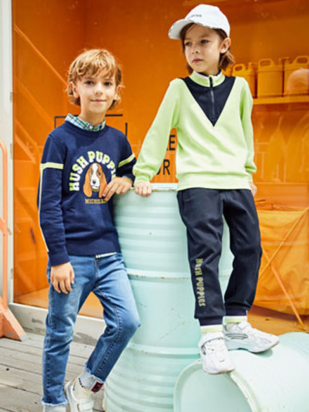 暇步士童装品牌2020春夏新款纯色图案简洁卫衣套头衫