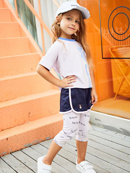 暇步士童装品牌2020春夏新款纯色图案短袖上衣