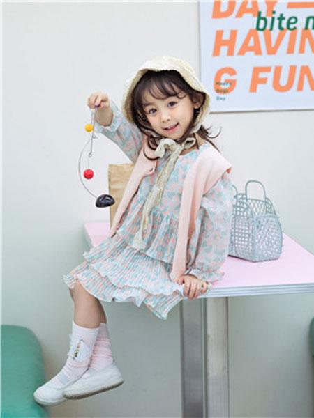 花田彩童装品牌2020春夏粉色时尚背心