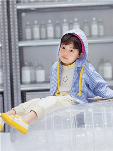 花田彩童装品牌2020春夏格纹带帽外套