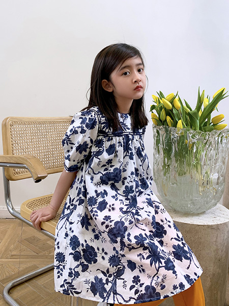 安墨Ammo童装品牌2020春夏新款纯色碎花短袖连衣裙